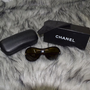 CHANEL Accessories - Authentic Chanel sunglasses 5066 c.538/73 120